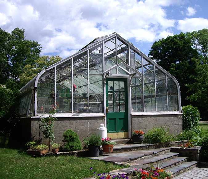 curved eave greenhouse